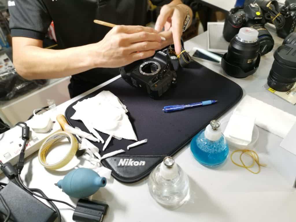Mejores prácticas para limpiar tu equipo fotográfico: cámara, sensor y lente